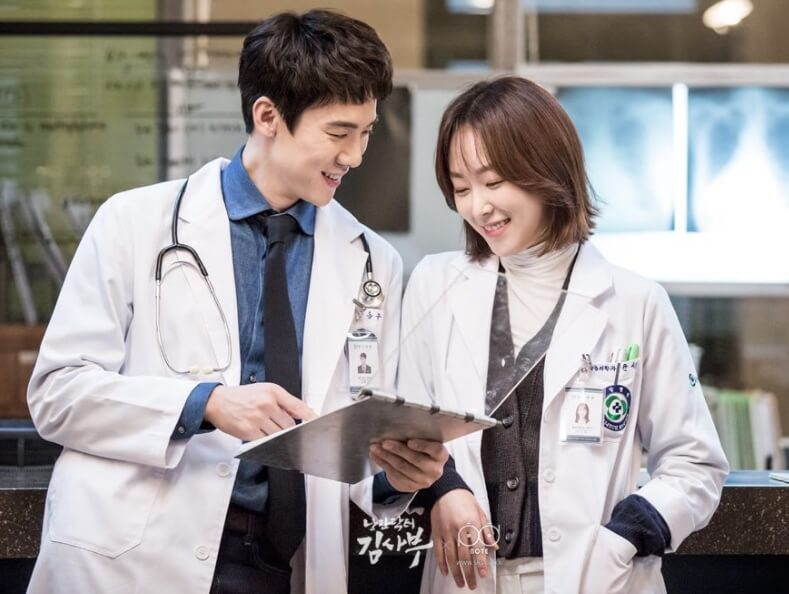 film-korea-Romantic-Doctor-Teacher-Kim