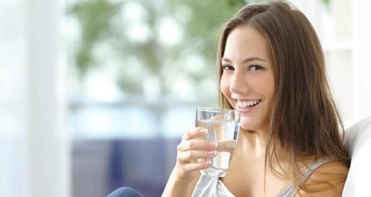cara membuat suara merdu dengan banyak meminum air putih